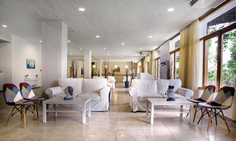 The Grove Seaside Hotel Lounge/Empfang