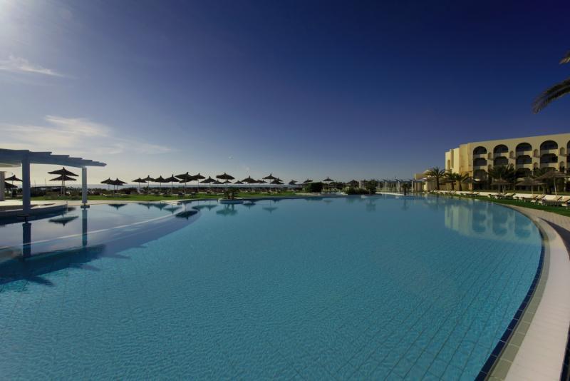 Iberostar Averroes Pool