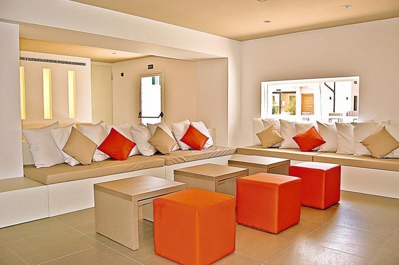 BQ Amfora Beach Lounge/Empfang