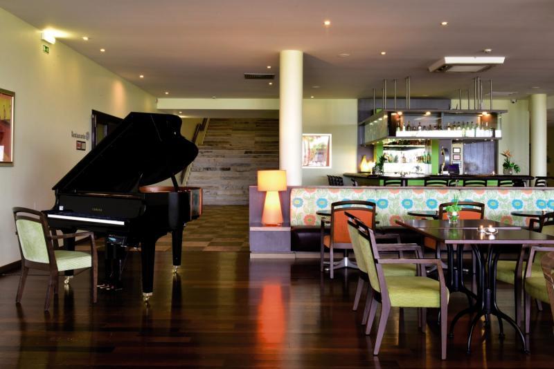 Pestana Viking Beach & Golf Resort Bar