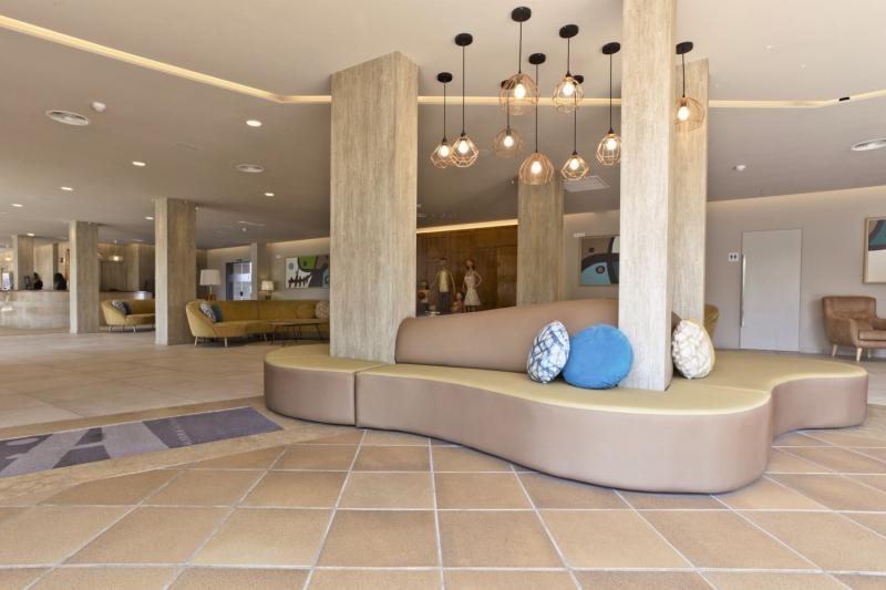 ALEGRIA Pineda Splash Lounge/Empfang