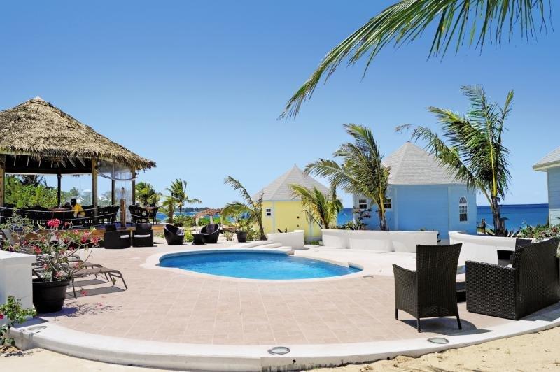 Paradise Bay Bahamas Pool