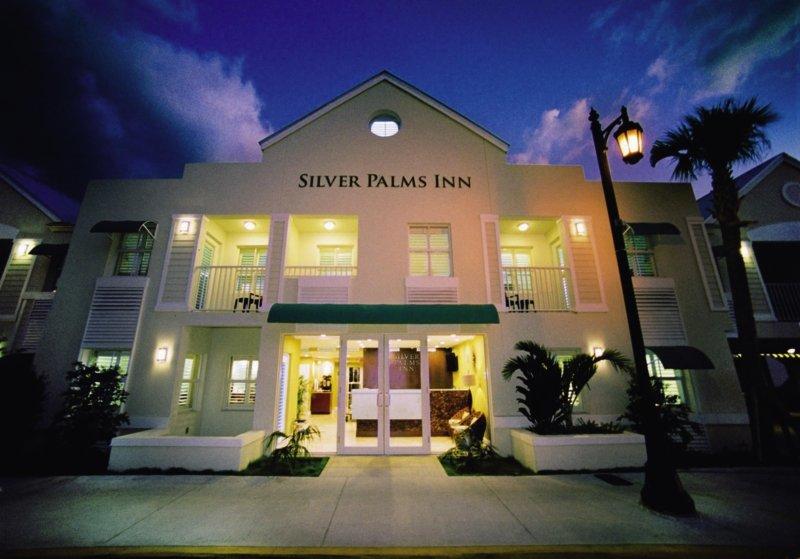 Silver Palms Inn Außenaufnahme