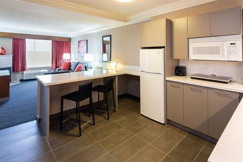 Radisson Hotel & Suites Fort McMurray Restaurant