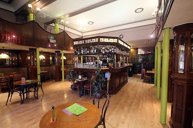 Derby Hotel Bar