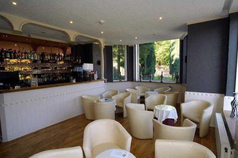 New Hotel de Lives Bar