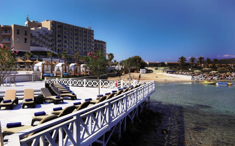 Design Plus Seya Beach  Terrasse