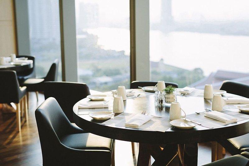 AVANI+ Riverside Bangkok Hotel Restaurant