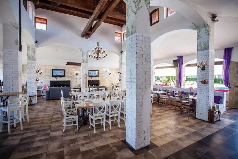 Saint Thomas Holiday Village Restaurant