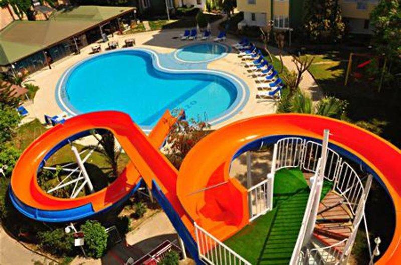 Melissa Garden Pool