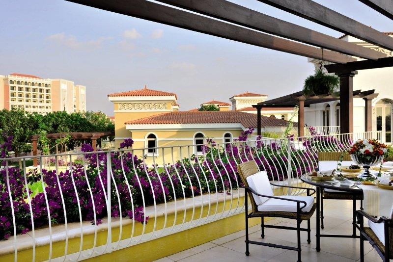 The Ritz-Carlton Abu Dhabi, Grand Canal Terrasse
