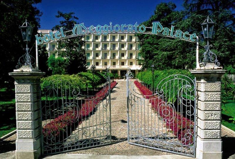 Palace Meggiorato Außenaufnahme