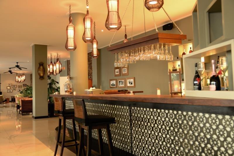 DoubleTree Resort & Spa by Hilton Seychelles - Allamanda Bar