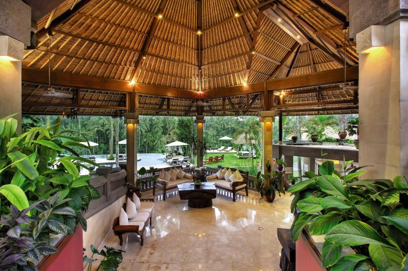 Viceroy Bali Bar