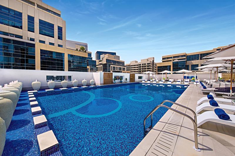 DoubleTree by Hilton Dubai - Business Bay Pool