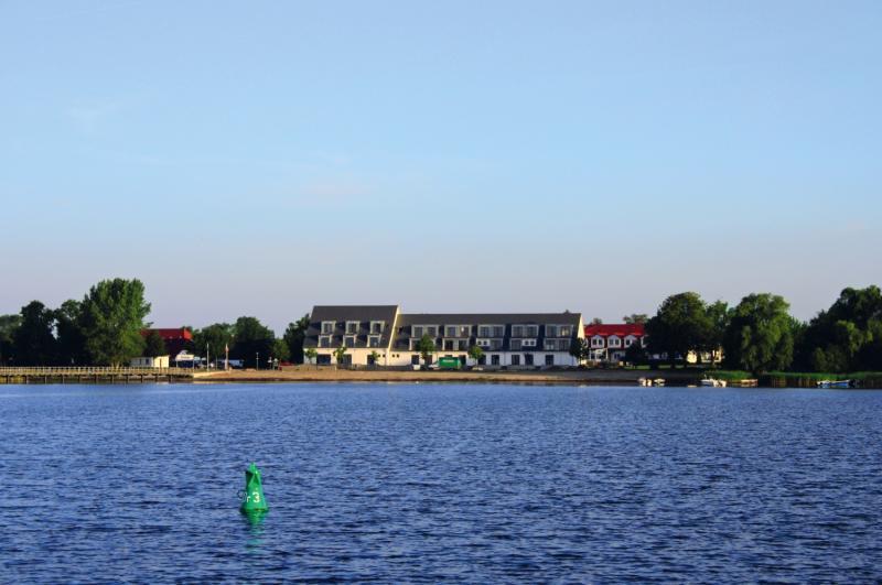 Strandhotel Dranske Außenaufnahme