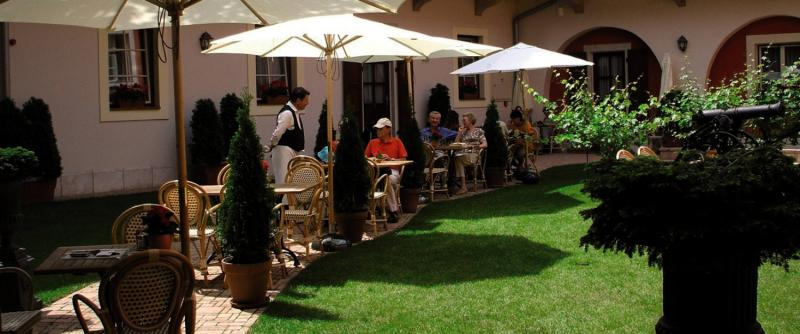 St.George Residence All Suite Hotel Deluxe Garten