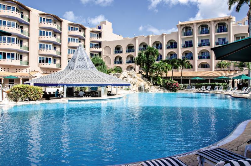 Accra Beach Hotel & Spa Pool