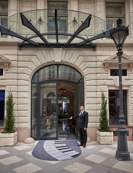 Aria Hotel Budapest Außenaufnahme