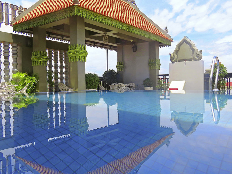King Grand Boutique Hotel Pool