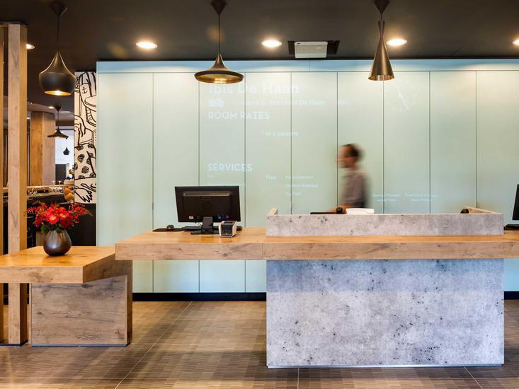 ibis De Haan Lounge/Empfang