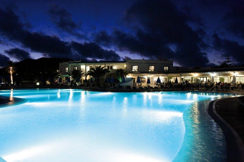 HL Rio Playa Blanca Pool