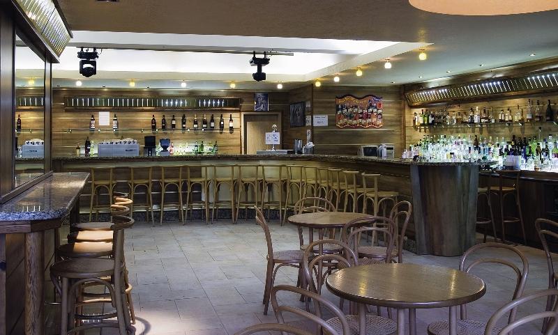 Sandy Beach Bar