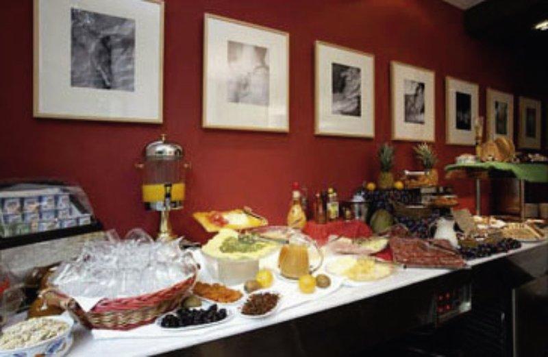 Petit Palace Triball Restaurant