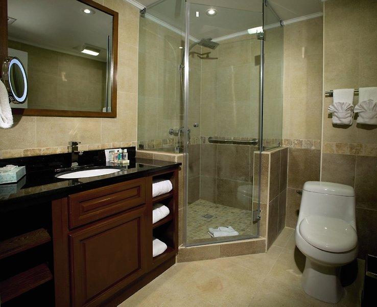 Divi Aruba Phoenix Resort Badezimmer