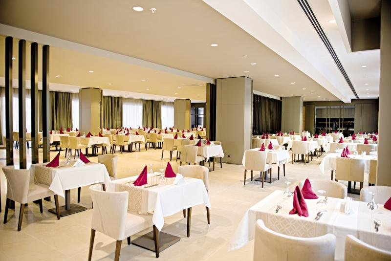 lti Serra Resort Restaurant