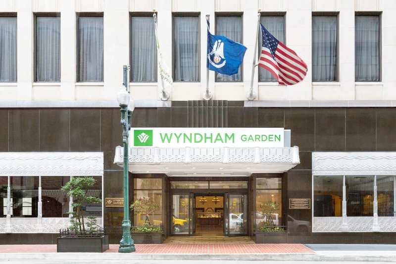 Wyndham Garden Baronne Plaza Außenaufnahme