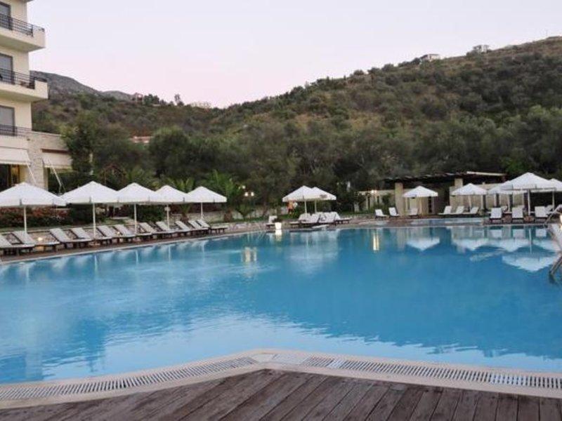 Rapos Resort Hotel Pool