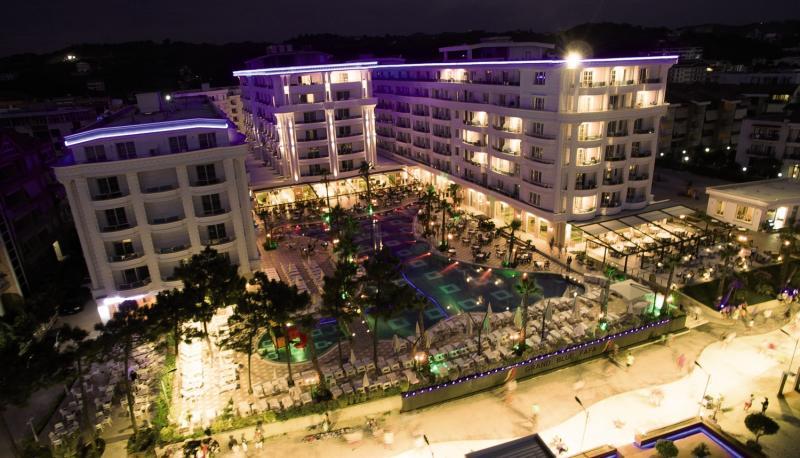 Hotel Grand Blue Fafa Außenaufnahme