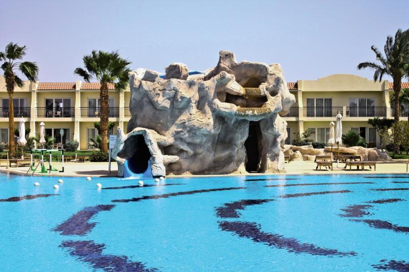 Hilton Sharks Bay Resort Pool