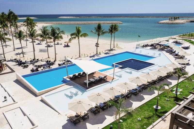 Fanar Hotel & Residences Pool